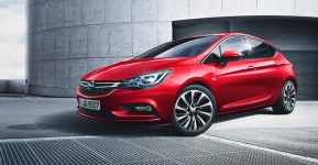 Astra в финале премии Car of the Year 2016
